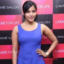 Priya Anand is Power Stars heroine now - Actress Priya Anand has carved an impeccable niche for her own self through series of best performances irrespective of
