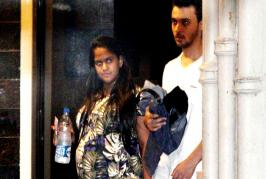 Arpita Khan Sharma and husband Aayush were seen outside Salman Khan's residence. Arpita had come to Salman after the verdict of his 2002 hit-and-run case.The...