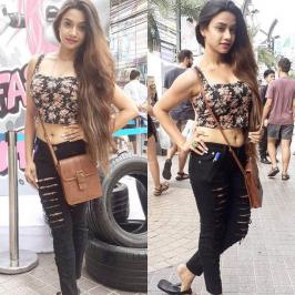 Desi pakistani Girls HD Images Pics Hot Photos Download: It doesn't get any hotter than Sexy Desi pakistani Girls and this gallery of her sexiest photos.