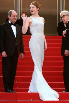 Emma Stone Looks Sizzling in White Dress in Cannes 2015