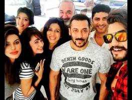 The Bhaijaan was seen partying till wee hours with Prince along with other housemates Kishwer Merchantt, Rishabh Sinha, Suyyash Rai, Rochelle Rao, Keith Sequ...