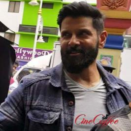 Many of us know that Vikram is currently shooting for 'Iru Mugan', an action thriller directed by Anand Shankar of 'Arima Nambi' fame.