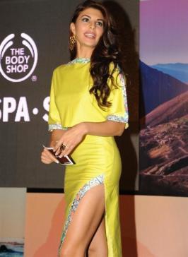 Jacqueline Fernandez New Photos, Jacqueline Fernandez Launches New Body Shop Products Range Images, Bollywood Celebrities Pics, Event Stills