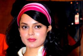 """Actress Kangana Ranaut, who is riding high on the success of her latest blockbuster hit """"Tanu Weds Manu Returns"""", says she is an """"independent girl"""" who belie..."""