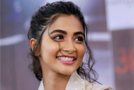 Latest Tollywood News Actress Pooja Hegde Remuneration is being paid a whopping Rs 50 Lakhs to shake a leg with Ram Charan an Item song in Rangasthalam is being bankrolled by Mythri Movie Makers and it has the music by Devi Sri Prasad. The film is scheduled to hit the theaters on 30th March 2018.