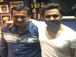 Actor-Entrepreneur Sachin Joshi turned no stone unturned to slam actor turned producer Bandla Ganesh. The duo who were seen hugging a couple of months ago landed in rivalry over Bank cheque. Sachin Joshi had recently filed a cheque bounce case against Bandla Ganesh. Further, the Nee Jathaga Nenunda