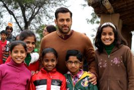 India-Pakistan border and bittersweet exchanges on Eid, there is heartwarming news. Three days since its release and Salman Khan-starrer Bajrangi Bhaijaan ha...