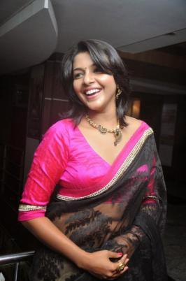 Saranya Nag in Pink Saree, Saranya Nag Profile, Saranya Photo Shoot, Actress, Tamil