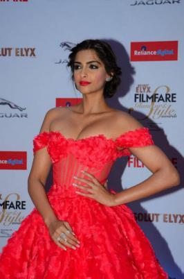 Sonam Kapoor New Photos, Hindi Actress, Bollywood, 2015, Latest, Images, Photo Shoot Pics