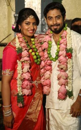Tamil Actor Aari Wedding Photos, Nadiya, Marriage,Wife, Family, Pics, Stills, Images, Function, Temple