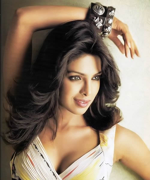 Priyanka Chopra makes lace sexy!