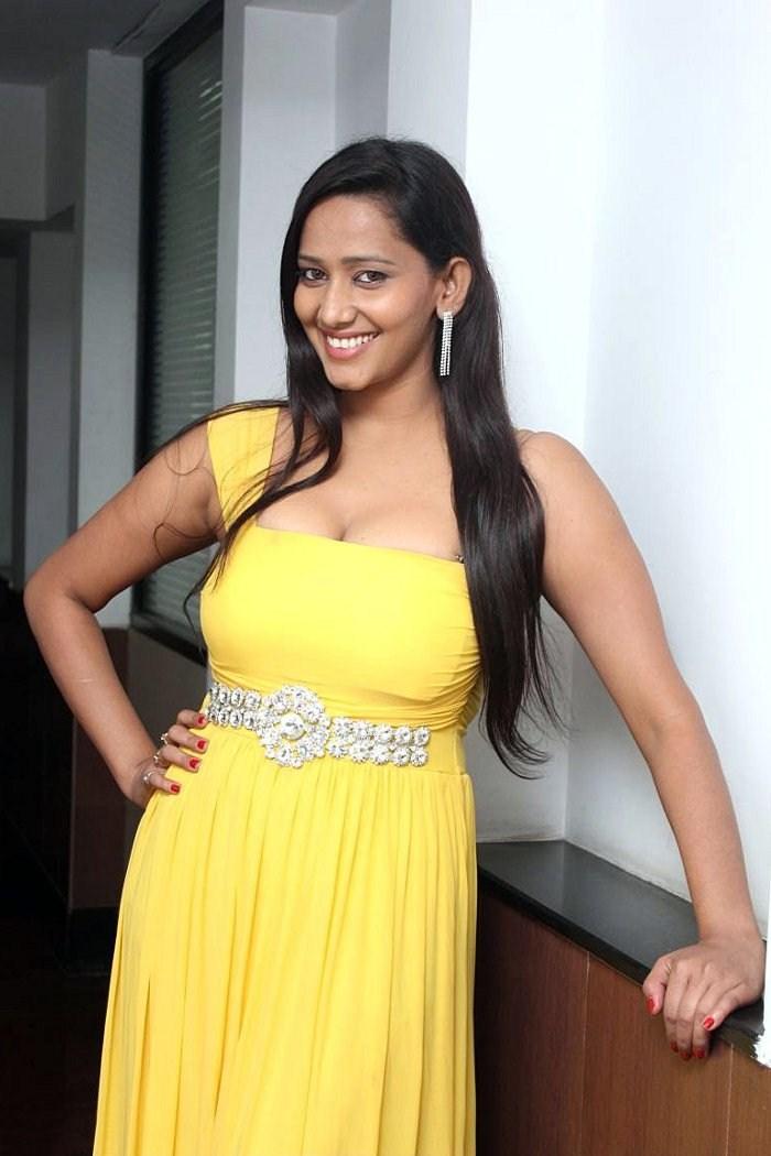 Sanchana Singh - Hot Images