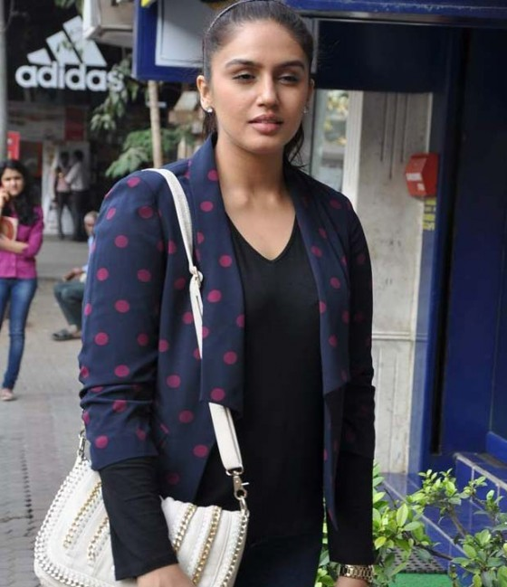Huma Qureshi Unveiled The Woodland Fall Winter Collection hot and unseen photos