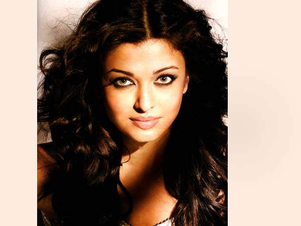 Pictures: Rare and Unseen photoshoots of Aishwarya Rai Bachchan - Oneindia Entertainment