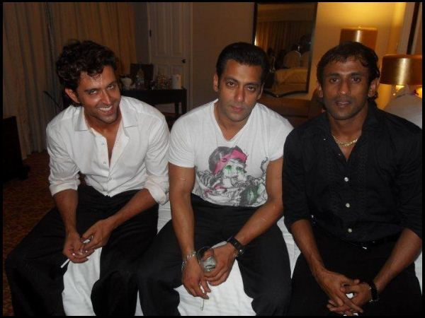 Rare and Unseen pictures of Hrithik Roshan - Oneindia Entertainment