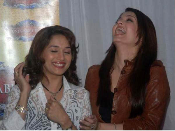 Rare and Unseen pictures of Madhuri Dixit - Oneindia Entertainment