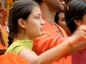 Kanika Tiwari of Agneepath fame enters Kollywood - Oneindia Entertainment