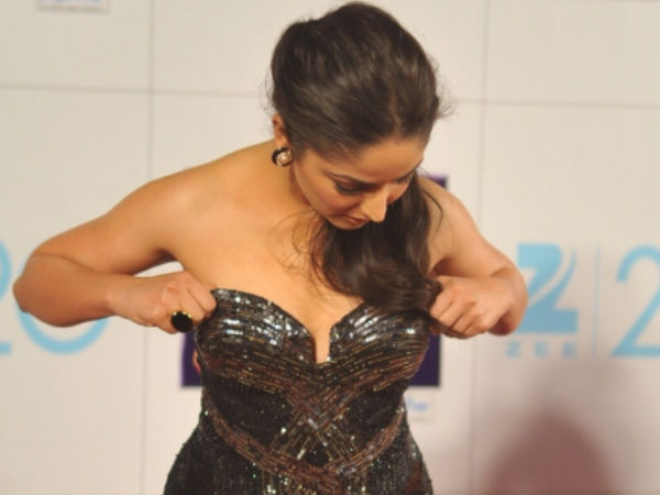 Pics: Yami Gautham narrowly escapes wardrobe malfunction - Oneindia ...