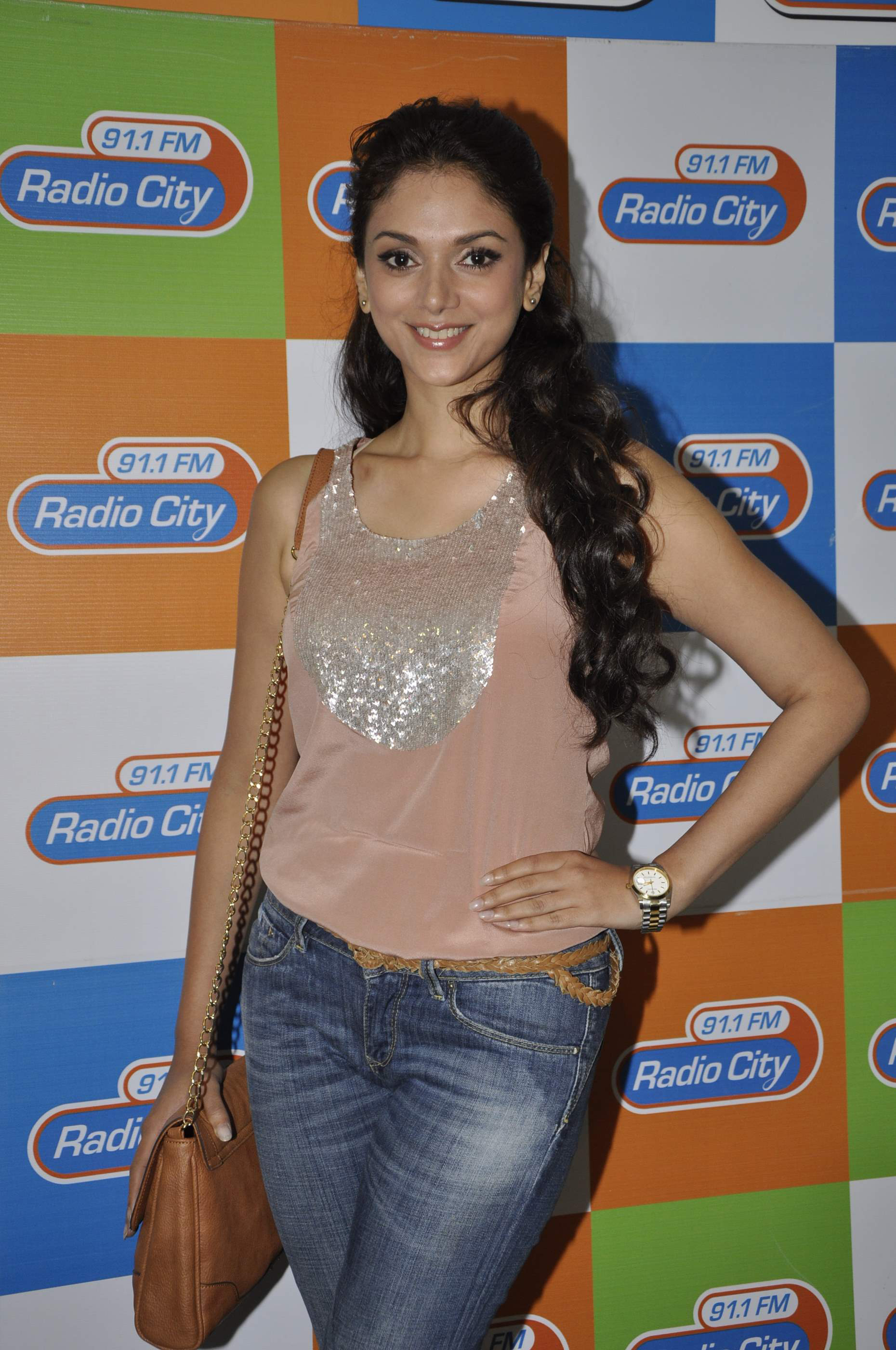 Oops Aditi  has no more posses for photoshoot  Gallery at PardaPhash
