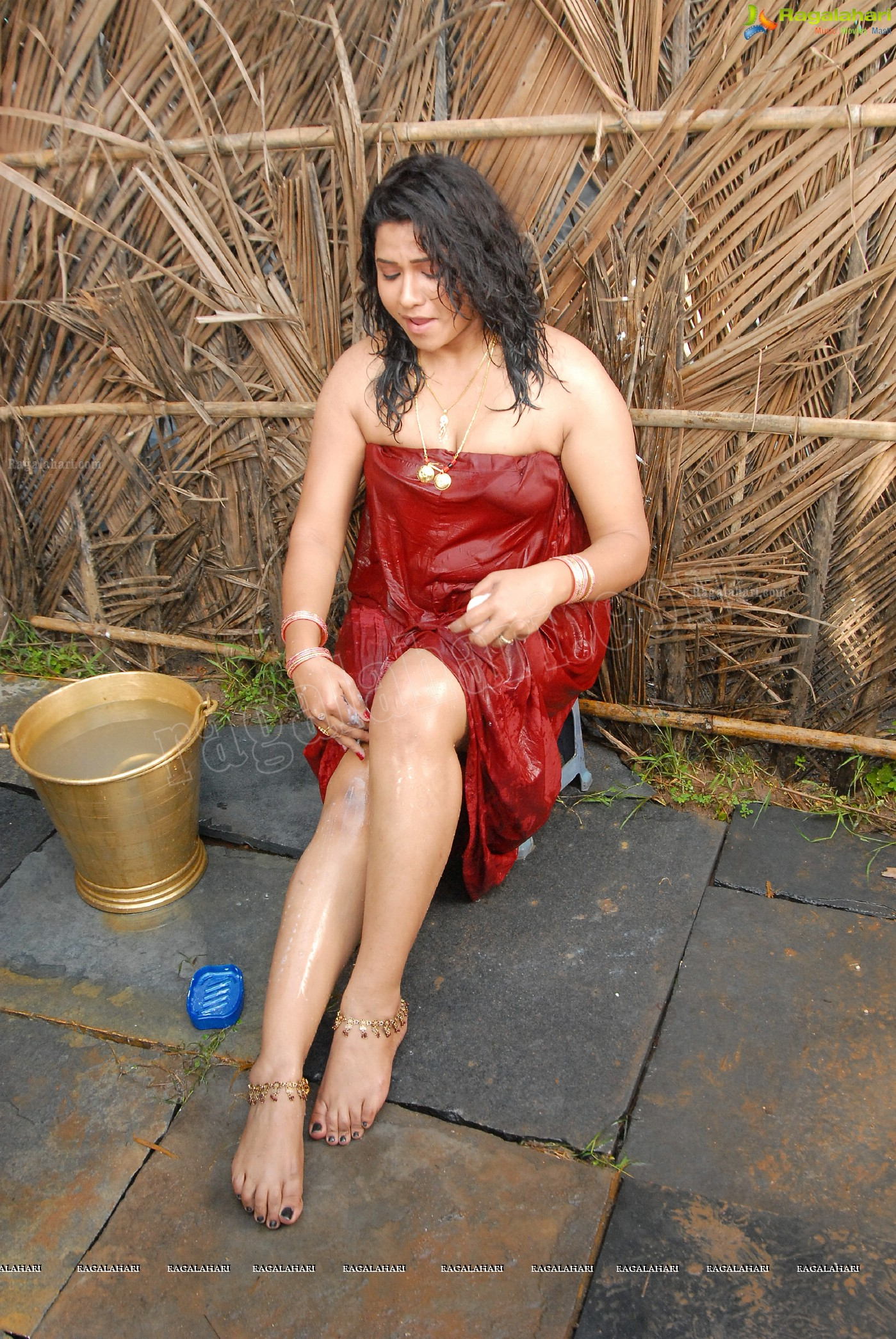 Jyothi Hot And Wet Bathing Photos | indian film actress