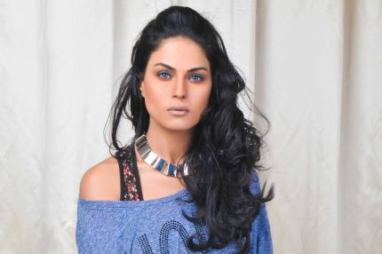Veena Malik want Salman, Shahrukh, Amir and Ajay Devgan all in one