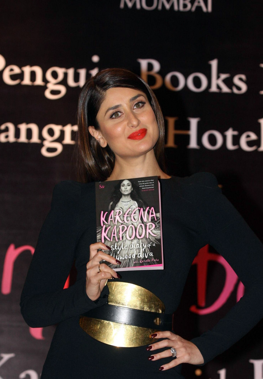 Kareena Kapoor Launches Her Book|Bollywood Actres gallery