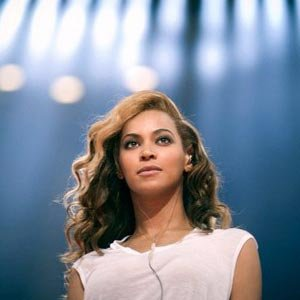Charles Eshelman/FilmMagic(NEW YORK) -- Beyonce grew to music superstardom as a Destiny's Child darling famous for singing about paying bills and, then, as a solo artist, singing about putting a ring on it.Now, the 31-year-old singer has sh...