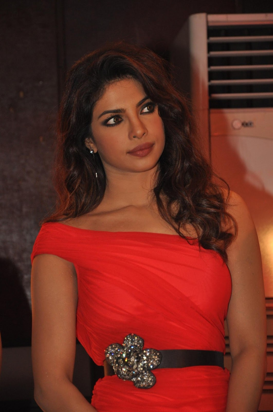 Priyanka Chopra Launches Babli Badmash Song