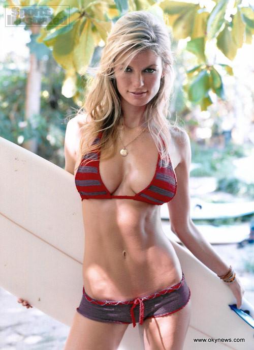 Bottomless bikini picture — img 1