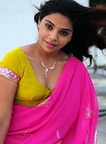 tamil actress srilekha latest hot stills in half saree