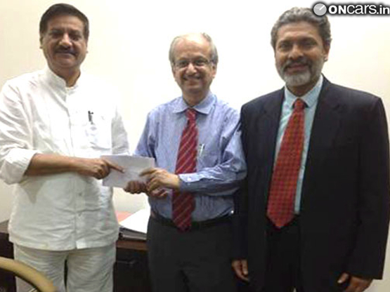 the mahindra group donates rs 2 crores