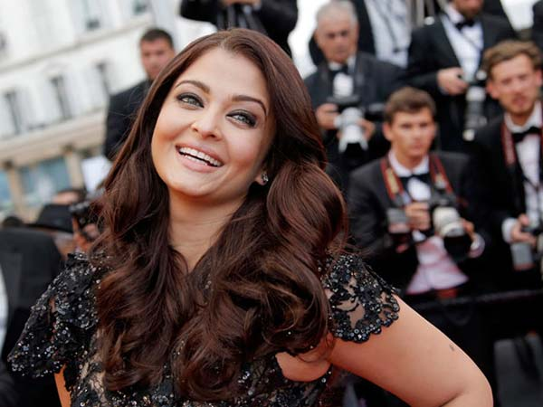 Pictures: Aishwarya Rai Bachchan oozes style at 66th Cannes Film Festival - Oneindia Entertainment