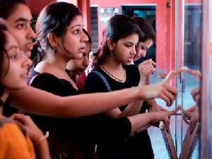 89% Students Passed CBSE class 12 Board exam 2013 Across India  - Oneindia Education