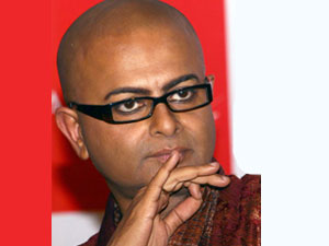 Legendary filmmaker Rituparno Ghosh dead - Oneindia Entertainment
