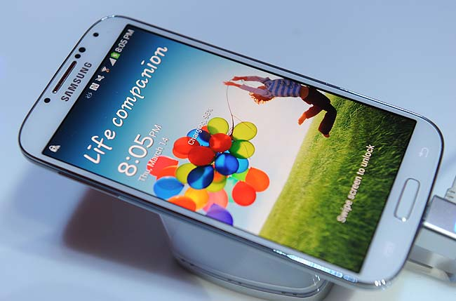 10 things the Samsung Galaxy S4 can do, but the iPhone 5 can't | NewsTop24
