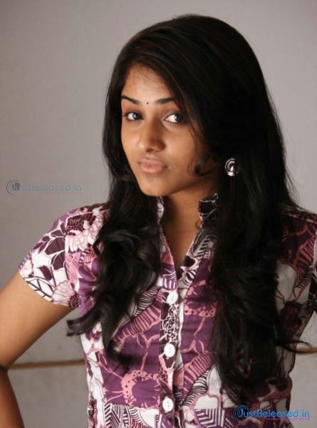 555 Movie Heroine Mirthika Photo Gallery