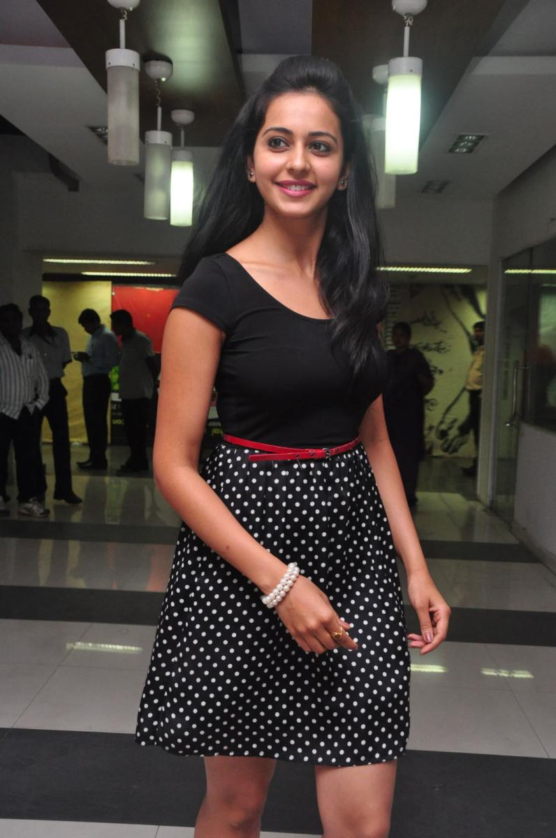 Rakul Preet Singh Hot Photos in skirt