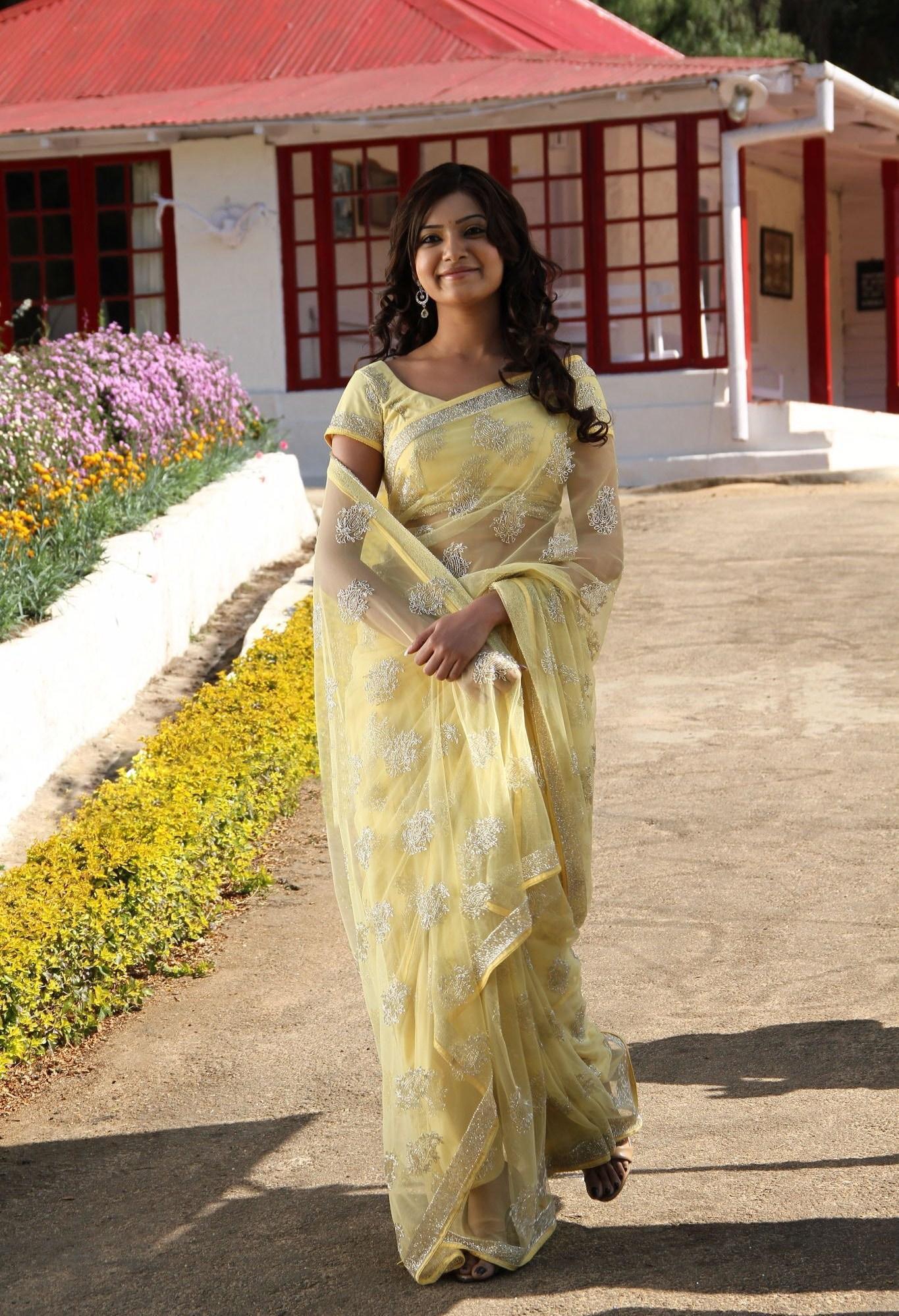 Samantha Hot Saree Stills