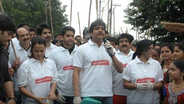 Swachh Bharat Hyderabad kick started by Nagarjuna, Amala Nagarjuna