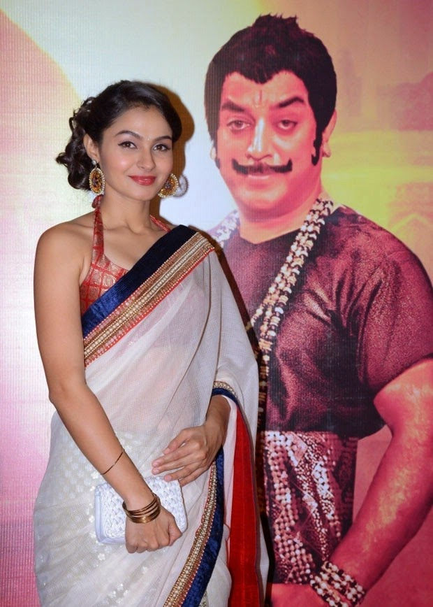 Andrea-Jeremiah-Stills-at-Uthama-Villain-Tamil-Movie-Audio-Launch-tollyreelstk