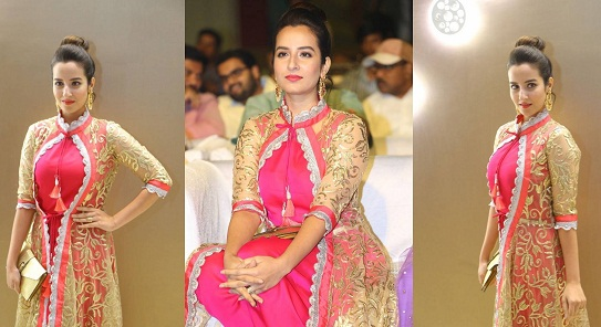 Amrutha Stills At Mental Madhilo Pre Release Event | | All Indian Models