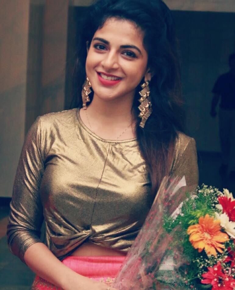 Iswarya Menon Hot Sexy Unseen Photo Gallery   All Indian Models