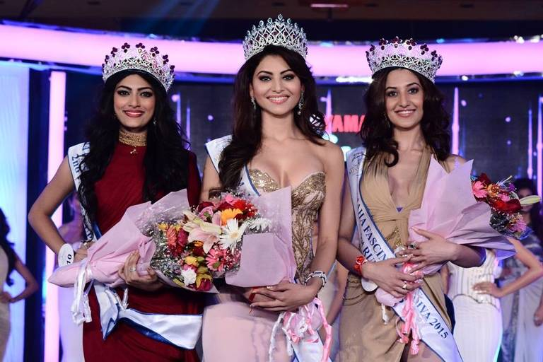 Actress Urvashi Rautela crowned Miss Diva 2015 - YouTube