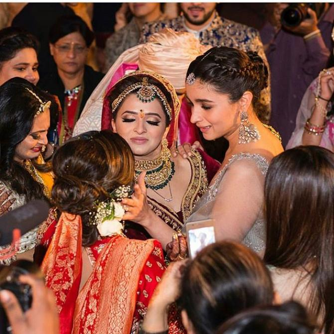 Alia Bhatt Crying At Her Best Friend Sangeet | All Indian Models