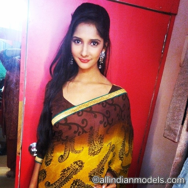 Beautiful indian girl in saree | All Indian Models