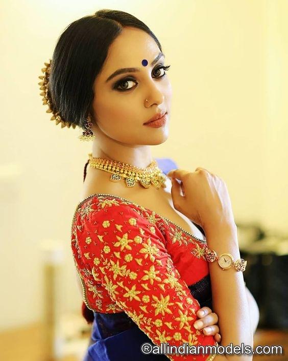 Beautiful indian girls in saree Photos | All Indian Models